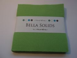 Bella Solids Lime, Charm Pack